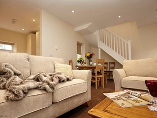 Lord High Admiral - sleeps 4 guests  in 2 bedrooms