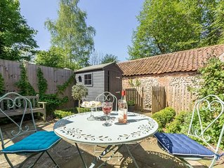 A family cottage with courtyard garden, in one of the oldest parts Aylsham, in N