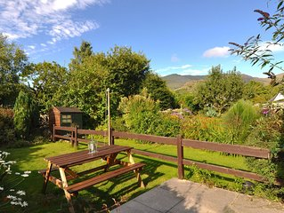 CENTRAL LAKE DISTRICT HOUSE WITH MOUNTAIN VIEWS FROM GARDEN, Super Fast WiFi