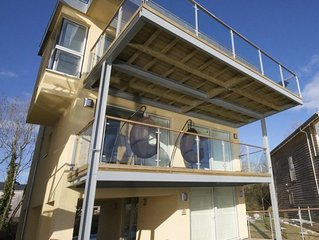 Stunning Contemporary Glass Fronted LAKESIDE Villa, With On-site Luxury Spa!