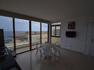8 Valletta Dream Suites, attico con terrazze, vista unica,  2 camere, aria condi