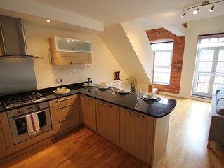 iStay - Boot House | Stylish & Trendy Duplex Apartment