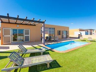 Villa Almar: Large Heated Private Pool, Sea Views, A/C, WiFi