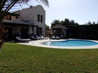 Extremely private villa with own pool (heating optional) - sleeps up to 9
