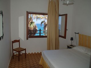 Villa Bosa, Waterfront apartment in Bosa area, private stairway to the beach WI
