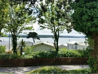 Great sea views, modern 6 berth caravan beach 2 mins away at Rockley Park, Poole