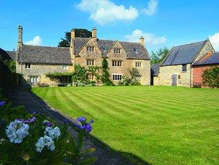 Willington Manor Farmhouse is a classic 17th century Grade II listed Cotswold fa