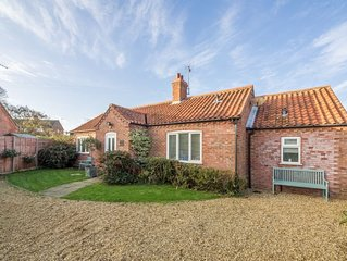 A wonderfully spacious bungalow in a quiet location with open-plan living ideal