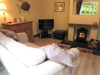 Stay in the heart of fabulous Kirkby Lonsdale,  with private parking!