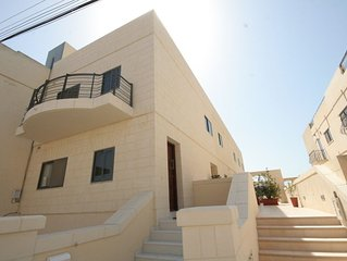 Beautiful, large and ultra modern holiday home and minutes away from the beach