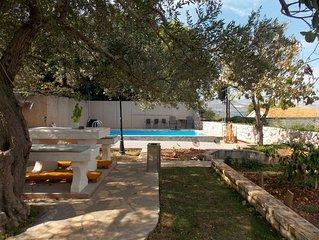 Apartment Kordić A1 – Poolside Retreat