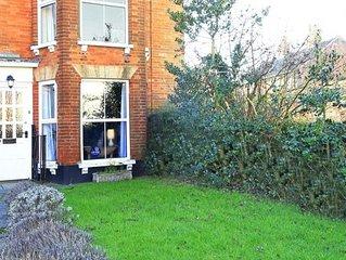 Holly Cottage - Three Bedroom House, Sleeps 6