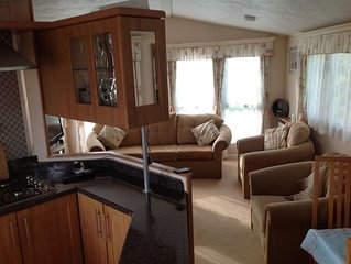 Luxury 2 bed caravan in Bognor Regis, sleeps 4