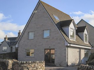 Detached four bed house in central Pitlochry