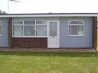 Hemsby Self Catering 2 Bedroom Chalet Sleeps 4 - No Pets