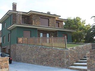 Preciosa casa con piscina a cinco minutos de la playa y la montana