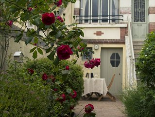 Charming, well-equipped, comfortable townhouse centrally located in Honfleur