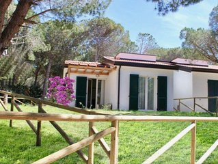 Sunset Holiday Home indipendente. A/C, WI-FI, lavatrice, parcheggio, full option