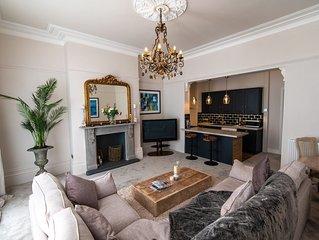 Large luxury 2 bedroom ground floor apartment in the heart of cheltenham.