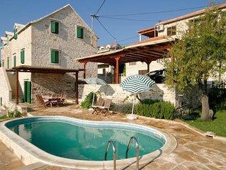 Ferienhaus Sumartin für 8 Personen mit 3 Schlafzimmern - Ferienhaus