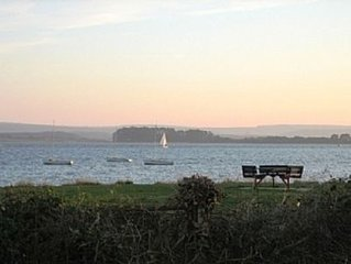 Visit England  4* Rated Apartment With Sea Views direct access to local beach