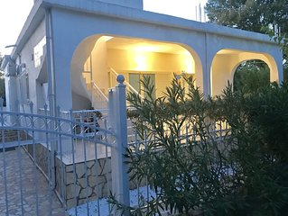 Eretria holiday house 50m from the beach