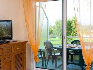 Appart cosy et abordable avec balcon/terrasse privee | sur le Terrain de Golf !