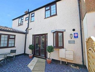 Crabpot Cottage - Three Bedroom House, Sleeps 6