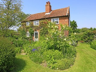 Riverside Cottage - Two Bedroom House, Sleeps 3
