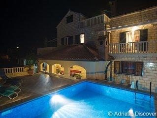 Atraktive dalmatinische Villa mit pool und atemberaubenden Ausblick zum Meer