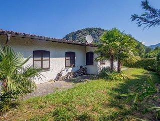 Grosszugiges Ferienhaus mit Garten, 100 m zum See, mit Bademoglichkeit