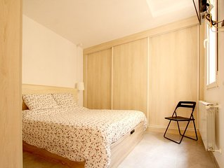 Full of natural light great 2BD apartment in Malasaña!
