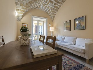 SUGGESTIVE VALVERDE FLAT IN THE HISTORIC CENTER