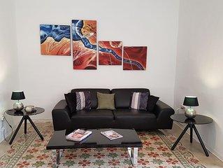 Bright & Modern 3 Bedroom Apartment