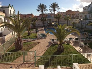 STUNNING GAUDIA COMPLEX, REFURBISHED 1 BEDROOM SOUTH FACING POOLSIDE APARTMENT
