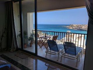 Wunderschone, voll ausgestattete, moderne Wohnung mit Balkon und Meerblick