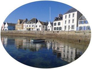 île de Sein, maison de pêcheur sur le quai Sud, rénovée, tout confort, avec wifi