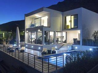 Luxus Villa mit beheizten Pool, traumhafter Meerblick, gratis WLAN & Parkplatz