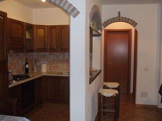 Appartamento centrale con parcheggio e posto per mangiare fuori di 75mq