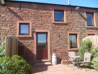 Horseshoe Cottage - Sky television now available