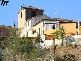 Vieille maison mitoyenne au coeur du vieux village de Riace avec Terrasse jardin