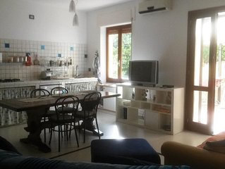 Granchio apartment in Alghero with air conditioning, private terrace & balcony.