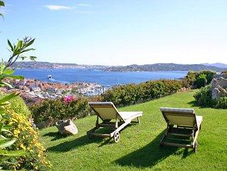 Elegante Villa mit fantastischem Panorama-Meerblick und Blick über den Ort Palau