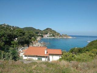 Villa Cotoncello a picco sul mare, con possibilità sconto traghetto