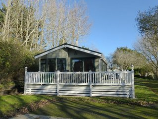 Well Appointed 2 Bedroom Holiday Lodge at Shorefield Country Park
