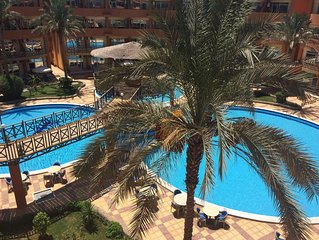 Ein schone Ferienwohnung in Hurghada in ein Resort mit Meerblick