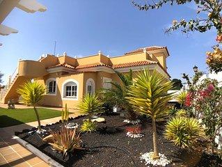 3 bedroom villa on the Golf Course with jacuzzi in Caleta de Fuste