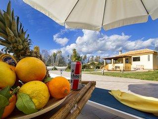 Alghero Villa per 10 persone, con 4 camere con bagno, 2 sale, veranda e piscina