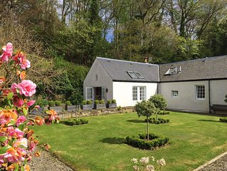 Spacious cottage - beautiful location, rural yet within easy reach of Crieff.