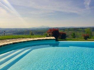 Near Siena, Tuscany, Infinity pool, 360* panorama,  5 persons